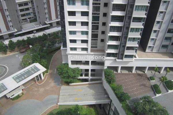 For Sale Condominium at KM1, Bukit Jalil Leasehold Fully Furnished 4R/3B 1.33m