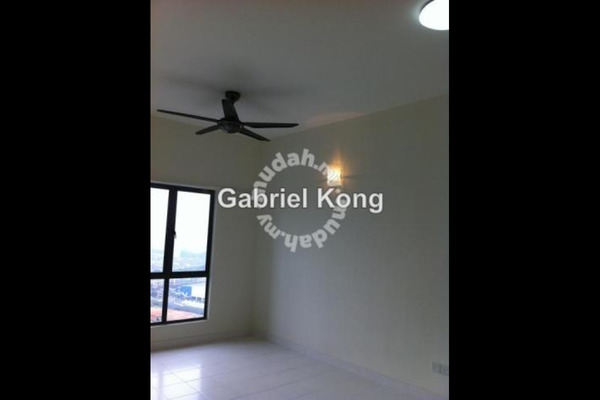 For Sale Apartment at Setia Walk, Pusat Bandar Puchong Leasehold Semi Furnished 2R/2B 588k