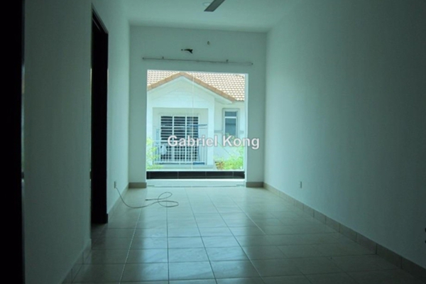 For Sale Semi-Detached at Taman Anggerik Villa, Kajang Freehold Semi Furnished 4R/4B 900k
