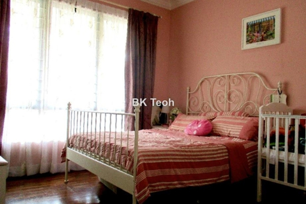 For Sale Superlink at Lake Edge, Puchong Leasehold Semi Furnished 4R/4B 1.08m