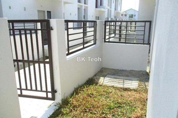 For Rent Terrace at Cogan, Bandar Bukit Raja Freehold Semi Furnished 4R/3B 1.25k