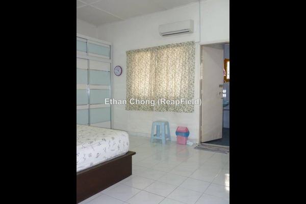 For Sale Terrace at Taman Bukit Anggerik, Cheras South Leasehold Semi Furnished 4R/3B 700k