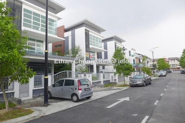 For Sale Bungalow at Taman Mahkota, Kajang Freehold Unfurnished 6R/6B 1.9m