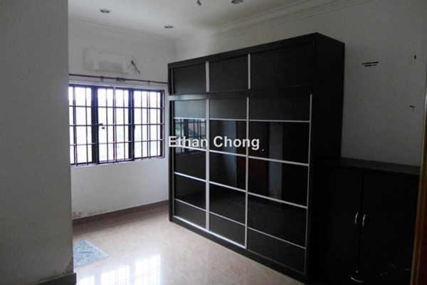 For Sale Semi-Detached at Taman Makmur, Bandar Sungai Long Freehold Semi Furnished 5R/3B 1.25m