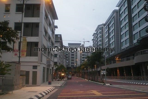 For Sale Shop at Solaris Mont Kiara, Mont Kiara Freehold Semi Furnished 0R/0B 2.35m