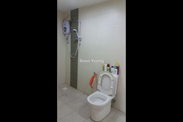 For Rent Condominium at First Residence, Kepong Leasehold Unfurnished 4R/3B 2.1k