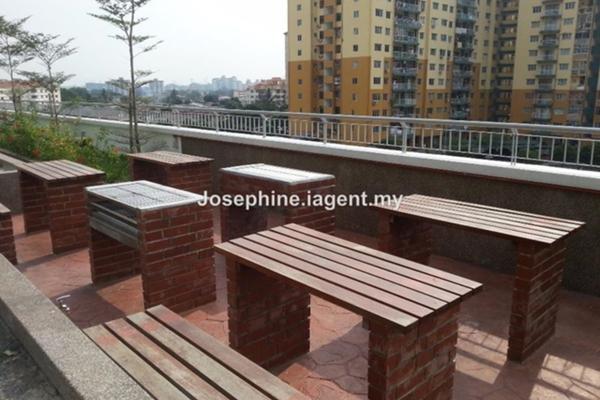 For Sale Condominium at D'Pines, Pandan Indah Leasehold Semi Furnished 3R/2B 660k