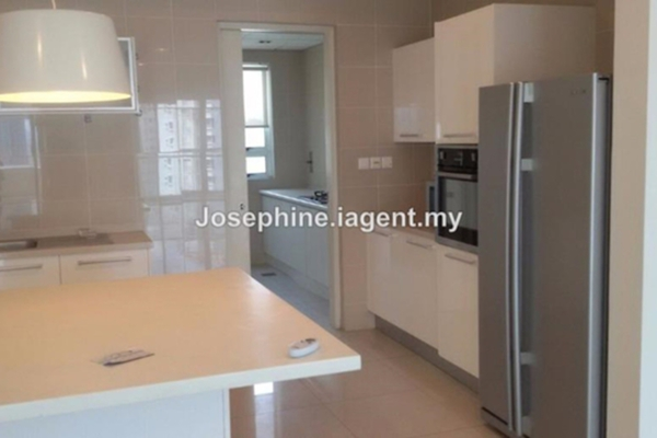 For Rent Condominium at Mont Kiara Banyan, Mont Kiara Leasehold Semi Furnished 5R/6B 8.2k
