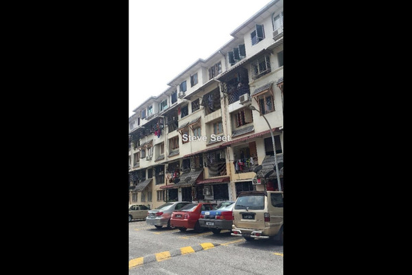 For Sale Apartment at Dahlia Apartment, Pandan Indah Leasehold Semi Furnished 3R/2B 320k