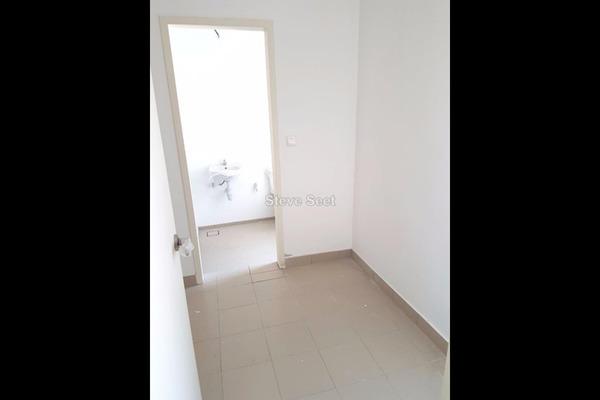 For Sale Condominium at Windows On The Park, Bandar Tun Hussein Onn Leasehold Unfurnished 3R/2B 980k