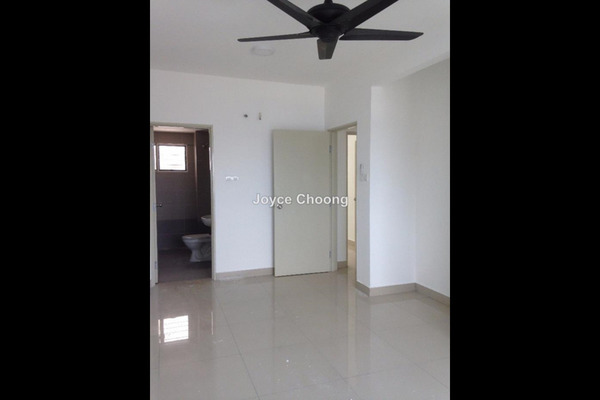 For Sale Condominium at D'Pines, Pandan Indah Leasehold Unfurnished 3R/2B 630k