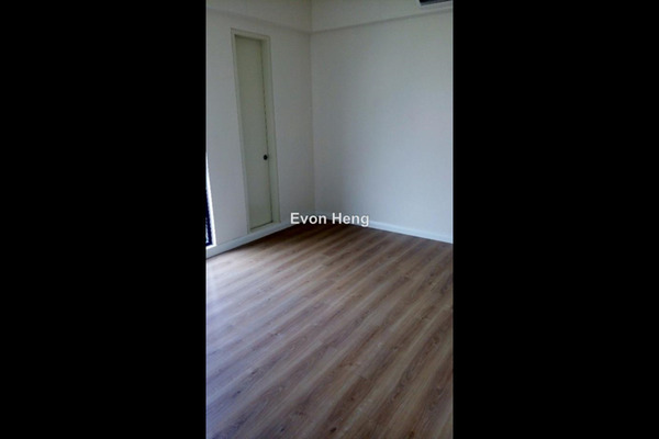 For Sale Condominium at Nova Saujana, Saujana Freehold Semi Furnished 2R/2B 630k