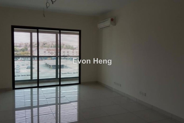 For Rent Condominium at Isola, Subang Jaya Freehold Semi Furnished 2R/2B 2.8k