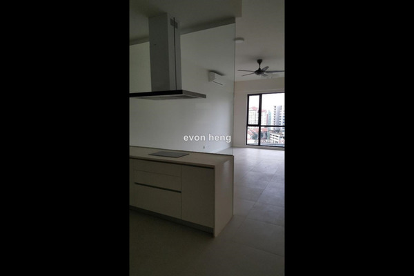 For Rent Condominium at Nova Saujana, Saujana Freehold Semi Furnished 2R/2B 1.8k