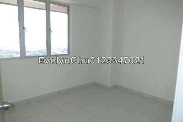 For Sale Condominium at Main Place Residence, UEP Subang Jaya Freehold Semi Furnished 2R/1B 400k