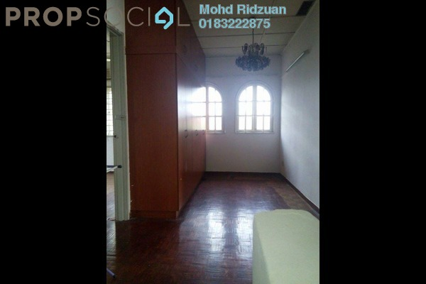 For Sale Terrace at Taman Bunga Negara, Shah Alam Freehold Semi Furnished 4R/3B 699k