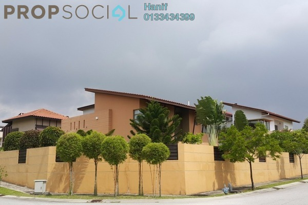 For Sale Bungalow at Banyan Close, Bandar Bukit Mahkota Freehold Semi Furnished 4R/4B 2.6m