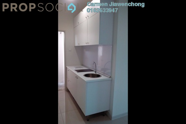 For Sale Condominium at Centrestage, Petaling Jaya Leasehold Semi Furnished 3R/2B 550k