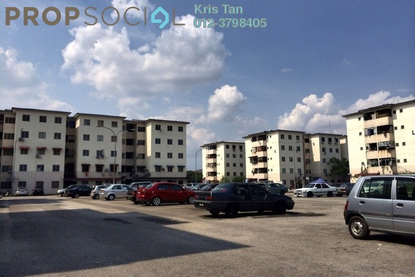 For Sale Condominium at Puchong Utama Court 1, Bandar Puchong Utama Freehold Unfurnished 3R/2B 150k
