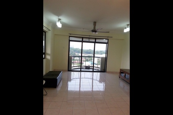 For Sale Condominium at Mutiara Oriental, Tropicana Freehold Unfurnished 3R/2B 660k