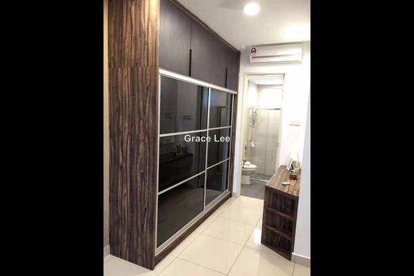 For Sale Condominium at The Regina, UEP Subang Jaya Leasehold Semi Furnished 3R/3B 699k