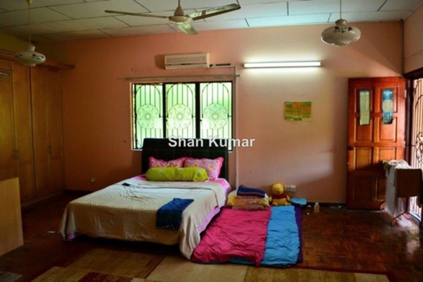 For Sale Bungalow at Section 11, Shah Alam Leasehold Unfurnished 5R/3B 1.8m