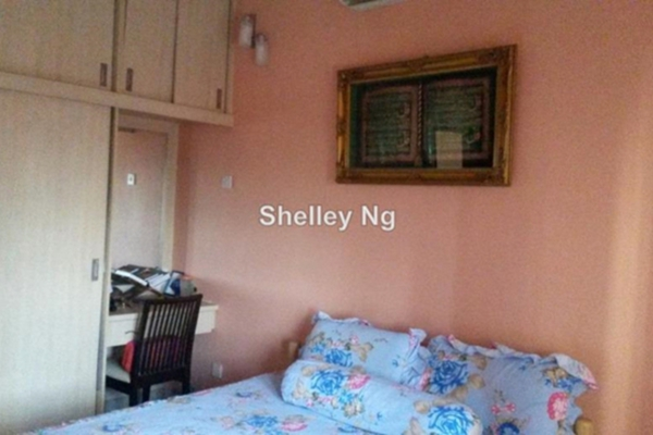 For Sale Condominium at Kelana Mahkota, Kelana Jaya Leasehold Fully Furnished 2R/2B 600k