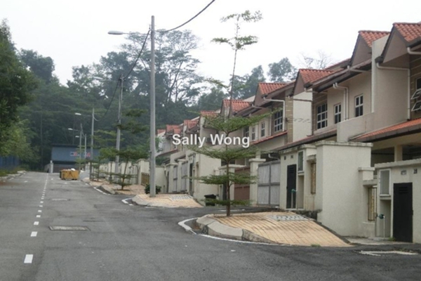 For Sale Link at Pantai Avenue, Pantai Freehold Semi Furnished 5R/4B 1.68m
