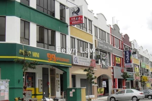 For Rent Shop at Taman Damai Utama, Bandar Kinrara Leasehold Unfurnished 0R/2B 1.6k