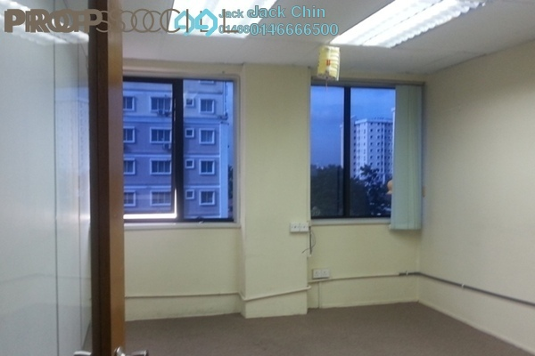 For Sale Office at Glomac Business Centre, Kelana Jaya Leasehold Semi Furnished 0R/2B 489k
