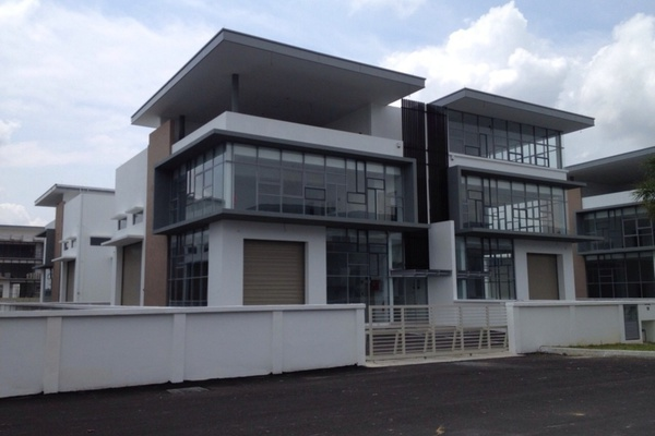 For Rent Factory at Taman Meranti Jaya Industrial Park, Puchong Freehold Unfurnished 0R/1B 17k