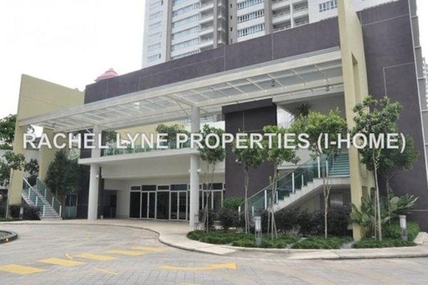 For Sale Condominium at i-Zen Kiara I, Mont Kiara Leasehold Semi Furnished 2R/2B 810k
