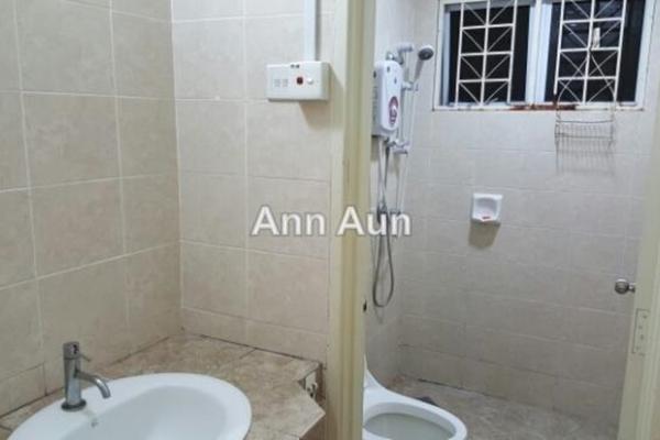 For Rent Condominium at Aseana Puteri, Bandar Puteri Puchong Leasehold Semi Furnished 3R/2B 1.7k