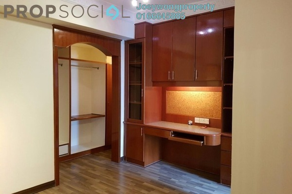 For Sale Condominium at Kelana D'Putera, Kelana Jaya Leasehold Semi Furnished 3R/2B 620k