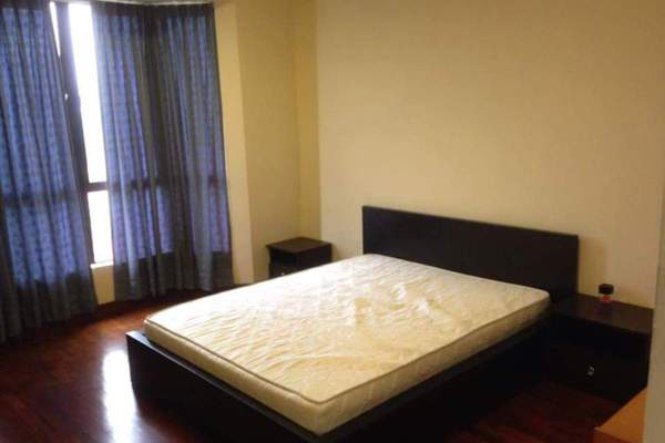For Sale Condominium at Casa Tropicana, Tropicana Leasehold Semi Furnished 3R/3B 730k