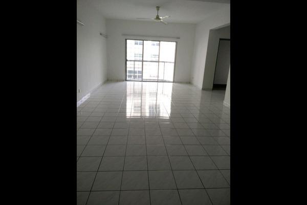 For Sale Condominium at Tiara Kelana, Kelana Jaya Leasehold Unfurnished 3R/2B 620k