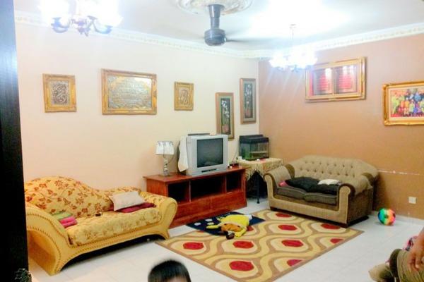 For Sale Terrace at Taman Taming Indah, Bandar Sungai Long Freehold Unfurnished 4R/3B 480k