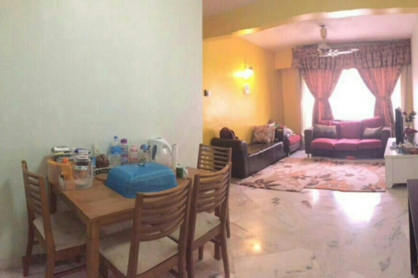 For Sale Apartment at Vista Lavender, Bandar Kinrara Leasehold Unfurnished 3R/2B 235k