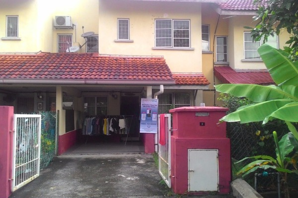 For Sale Terrace at Bandar Baru Bangi, Selangor Leasehold Unfurnished 4R/3B 550k