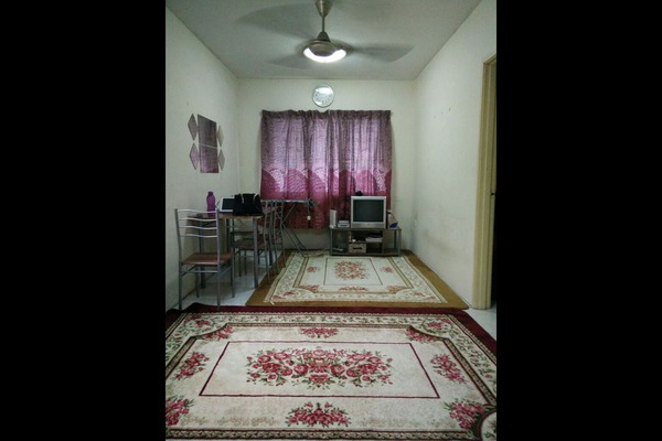 For Sale Apartment at Flora Damansara, Damansara Perdana Leasehold Semi Furnished 3R/2B 155k
