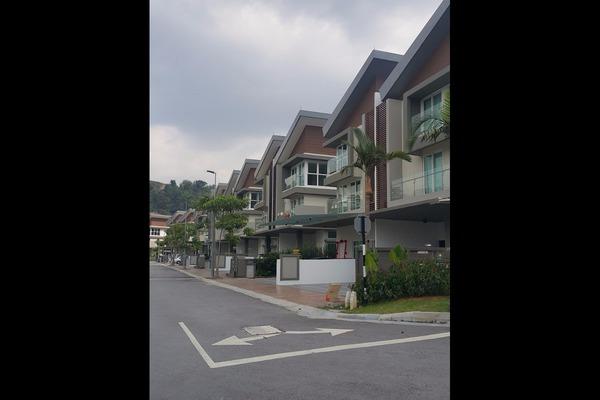 For Sale Terrace at The Rafflesia, Damansara Perdana Leasehold Semi Furnished 5R/3B 2.4m
