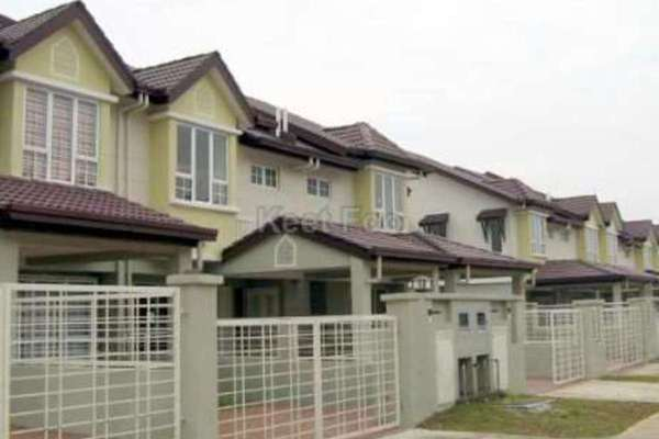 For Sale Terrace at Alam Nusantara, Setia Alam Freehold Semi Furnished 4R/3B 695k