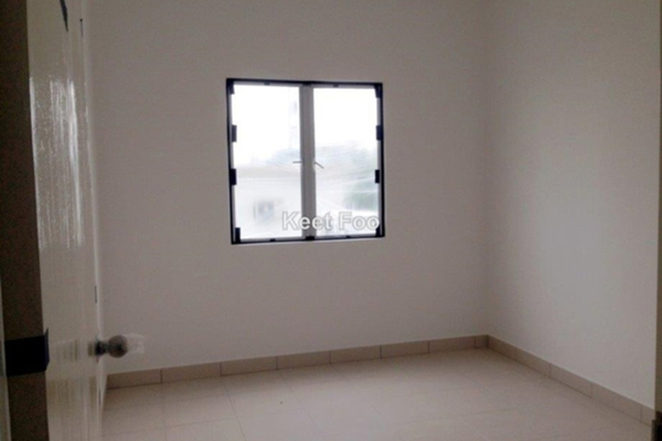 For Sale Apartment at Seri Baiduri, Setia Alam Freehold Unfurnished 3R/2B 360k