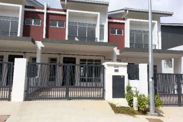 For Sale Terrace at M Residence, Rawang Freehold Unfurnished 4R/3B 490k