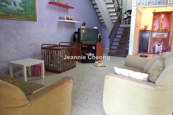 For Sale Terrace at Taman Bukit Maluri, Kepong Leasehold Semi Furnished 3R/2B 839k