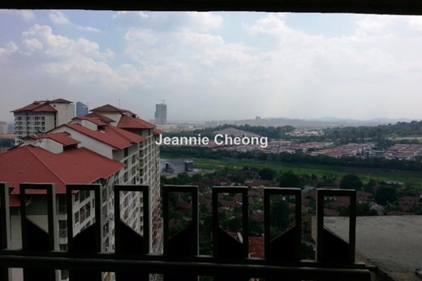 For Sale Condominium at Perdana Exclusive, Damansara Perdana Leasehold Semi Furnished 3R/2B 520k