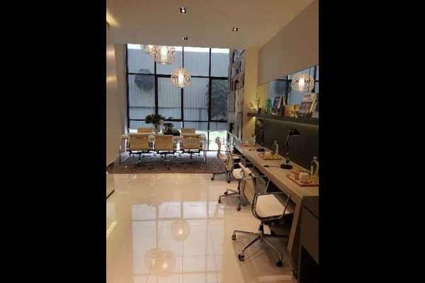 For Sale SoHo/Studio at Icon City, Petaling Jaya Leasehold Semi Furnished 0R/1B 734k
