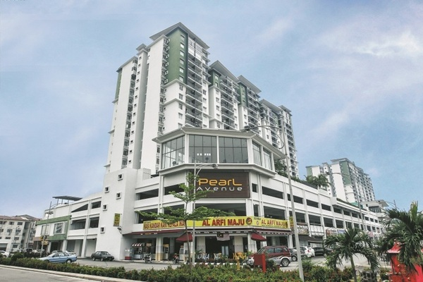 For Sale Condominium at Pearl Avenue, Kajang Freehold Semi Furnished 3R/2B 375k