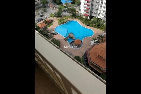 For Sale Condominium at Koi Tropika, Puchong Leasehold Semi Furnished 3R/2B 420k