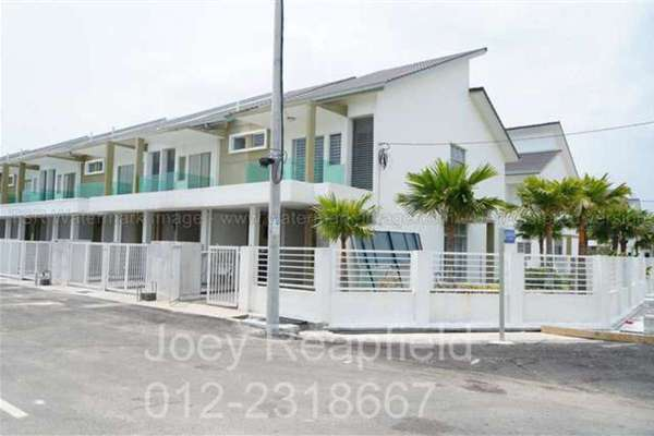 For Sale Townhouse at Pearl Villa, Bandar Saujana Putra Leasehold Unfurnished 3R/2B 340.0千